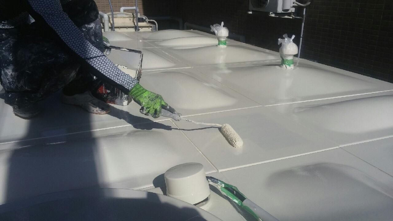神戸市タンク塗装工事 天板上塗り